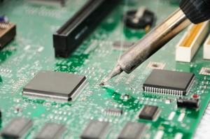Usługi - produkcja elektroniki